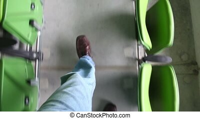 dépassement, rangées, stadium., homme, sièges