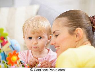 dépenser, bébé, temps, ensemble, mère