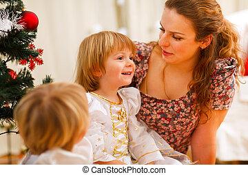 dépenser, mère, arbre, temps, noël, filles