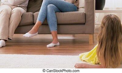 dépenser, maison, femme, temps famille