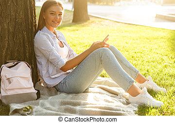 dépenser, parc, jeune, temps, girl, heureux