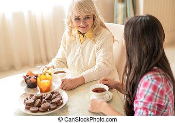 dépenser, thé, deux, élevé, charmer, ensemble., temps, femmes, avoir, vue