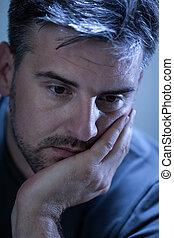 déprimé, triste, jeune homme