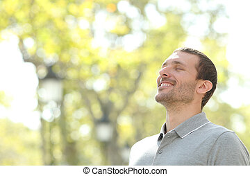 désinvolte, parc, heureux, air, homme, respiration, frais
