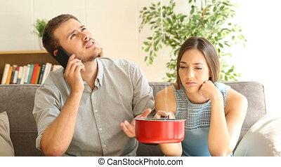 désordre, couple, appeler, assurance, regarder, maison,...