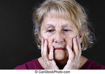 détaillé, portrait, femme aînée, triste