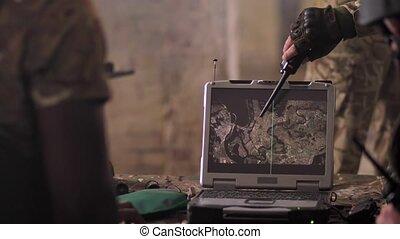 détecter, ennemi, soldats, armée, ordinateur portable, carte