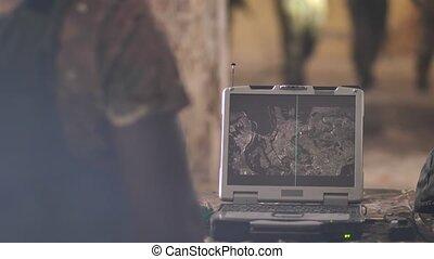 détection, ennemi, écran, armée, ordinateur portable, pendant