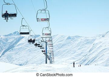 día, brillante, esquí, invierno, sillas, levantamiento