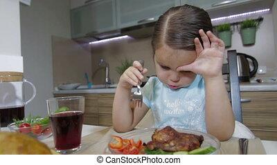 dîner, avoir, petite fille, famille