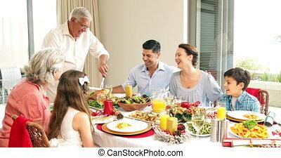 dîner, grand-père, poulet, découpage