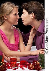 dîner romantique, tenue, et, baisers