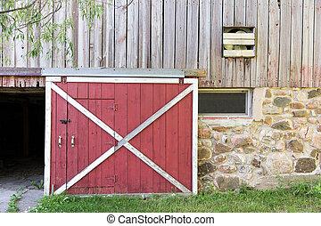 dörr, ladugård, röd