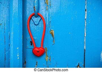 dörr, med, hjärta gestalta, hänglås, hängande, handle.