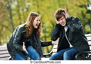düh, alatt, young emberek, rokonság, konfliktus
