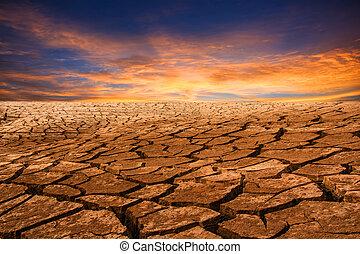 dürre, land, mit, sonnenuntergang