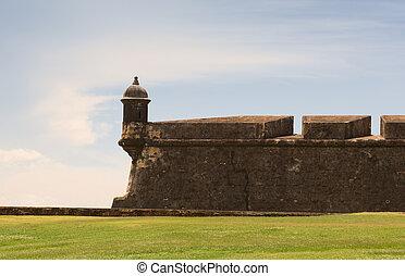 dějinný, pevnost