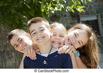 děti, usmívaní
