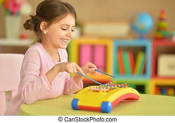 děvče, hračka, hraní, hudební