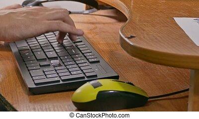 dactylographie, clavier ordinateur, homme affaires, travaux, homme