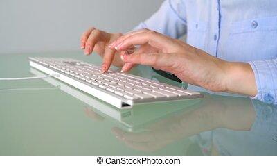 dactylographie, femme, ouvrier, bureau, clavier