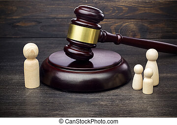 dad and mom with kids figures with gavel. divorce concept