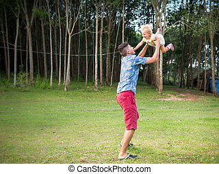 dad play with his daughter
