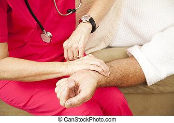 daheim, gesundheit, krankenschwester, -, puls nehmend