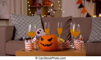 daheim, halloween, tabelle dekorationen, behandelt