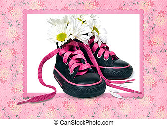 daisy bouquet in sneakers - Sneakers with white daisy...