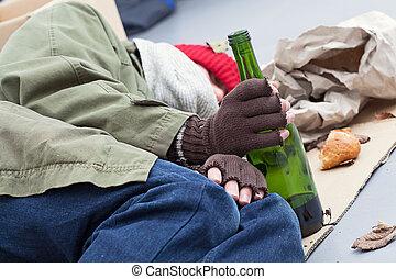 dakloos, alcoholhoudend, op, een, straat