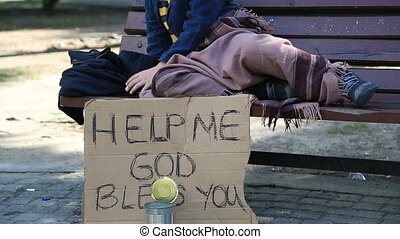 dakloos, moe, kind, het rusten