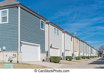 dallas, línea, área, grande, esquina, two-car, garaje, casa...