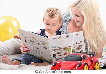 dall'aspetto, bambino, libro, lei, madre