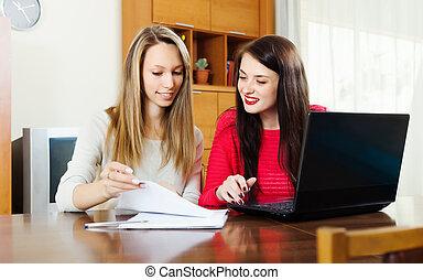 dall'aspetto, documenti, finanziario, donne