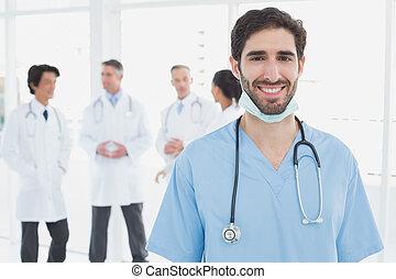 dall'aspetto, sorridente, dottore, macchina fotografica