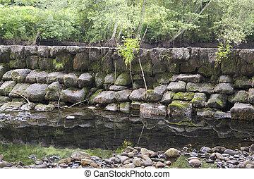 Dam of stone