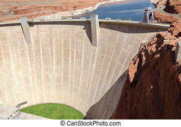 dam on Lake Powell