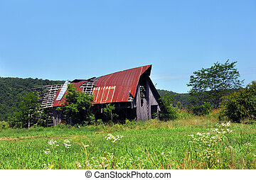 Damaged Arkansas Barn - Arkansas barn, in the Ozark ...