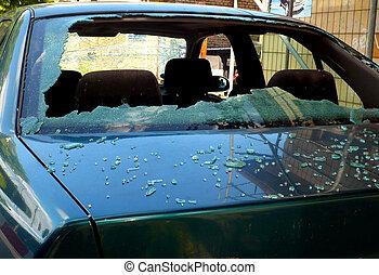 broken windshield at a car