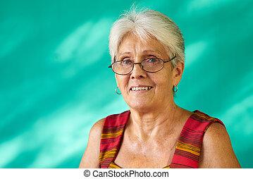 dame, cubaine, heureux, gens, portrait, hispanique, vieux, femme âgée