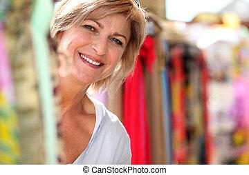 dame, middelbare leeftijd , markt