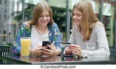dames, téléphone, jeune, crédit, tenue, utilisation, carte