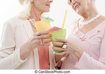 dames, vakantie, vrolijk, hun, senior, het genieten van