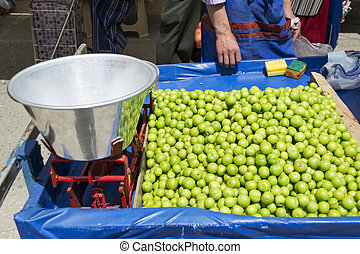 Damsons with scales