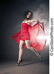 dançar, mulher, em, vestido vermelho, com, tecido