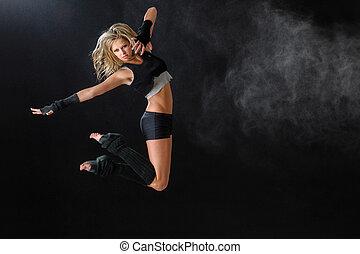 dançarino, pular, enquanto, executar, dela, rotina dança