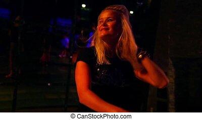 dancefloor, taniec, młody, nightclub, kobieta, pociągający