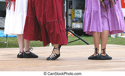Dancing feet 4928 - dancing feet