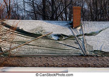 danneggiato, neve, tetto